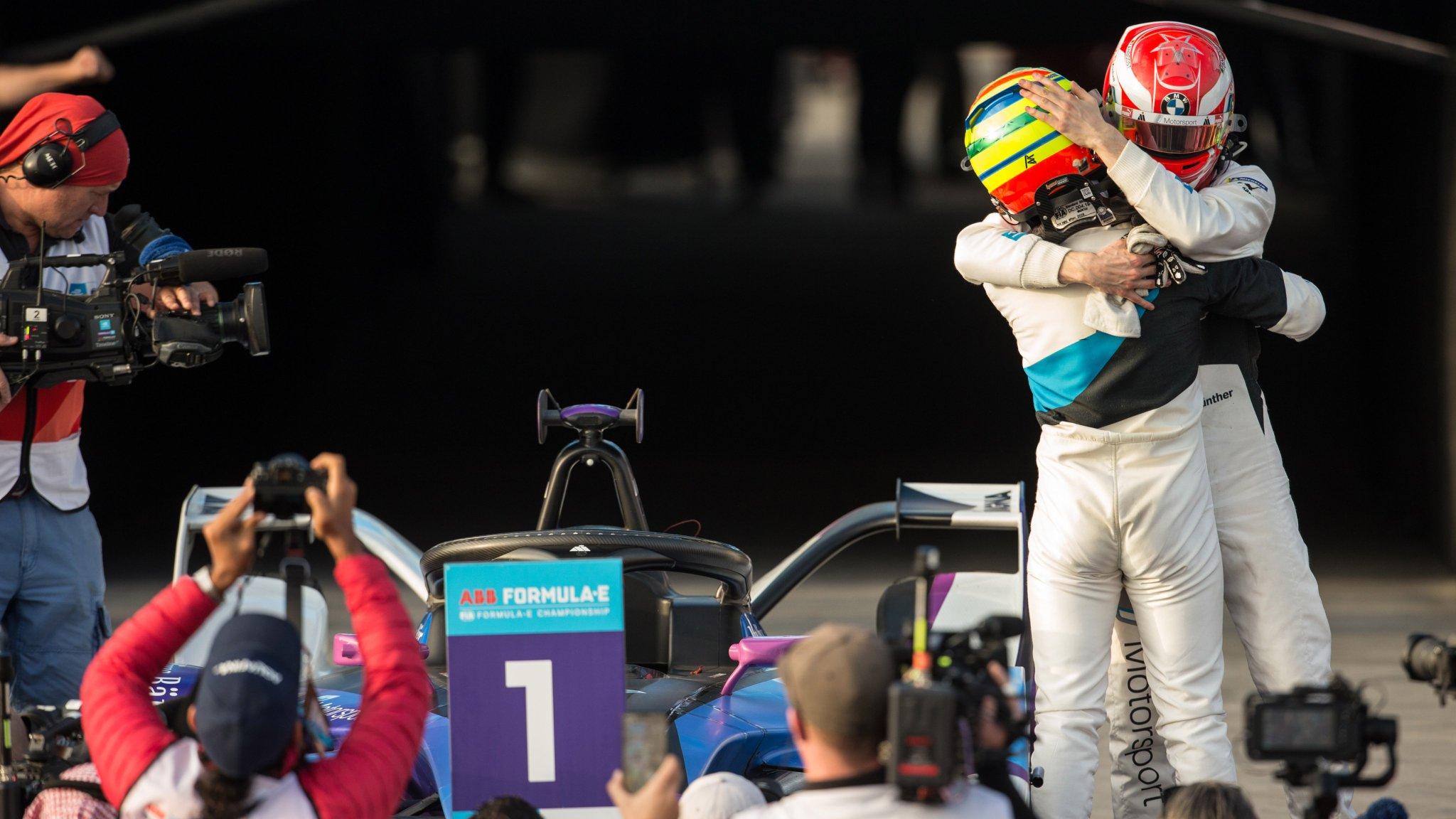 """Гонщики """"Андретти БМВ"""" после финиша субботней гонки """"Формулы-Е"""" в Саудовской Аравии"""