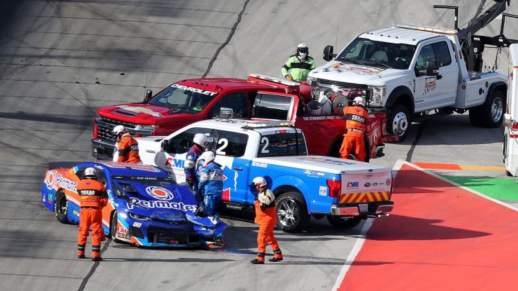 Куин Хауфф после инцидента в гонке в Техасе