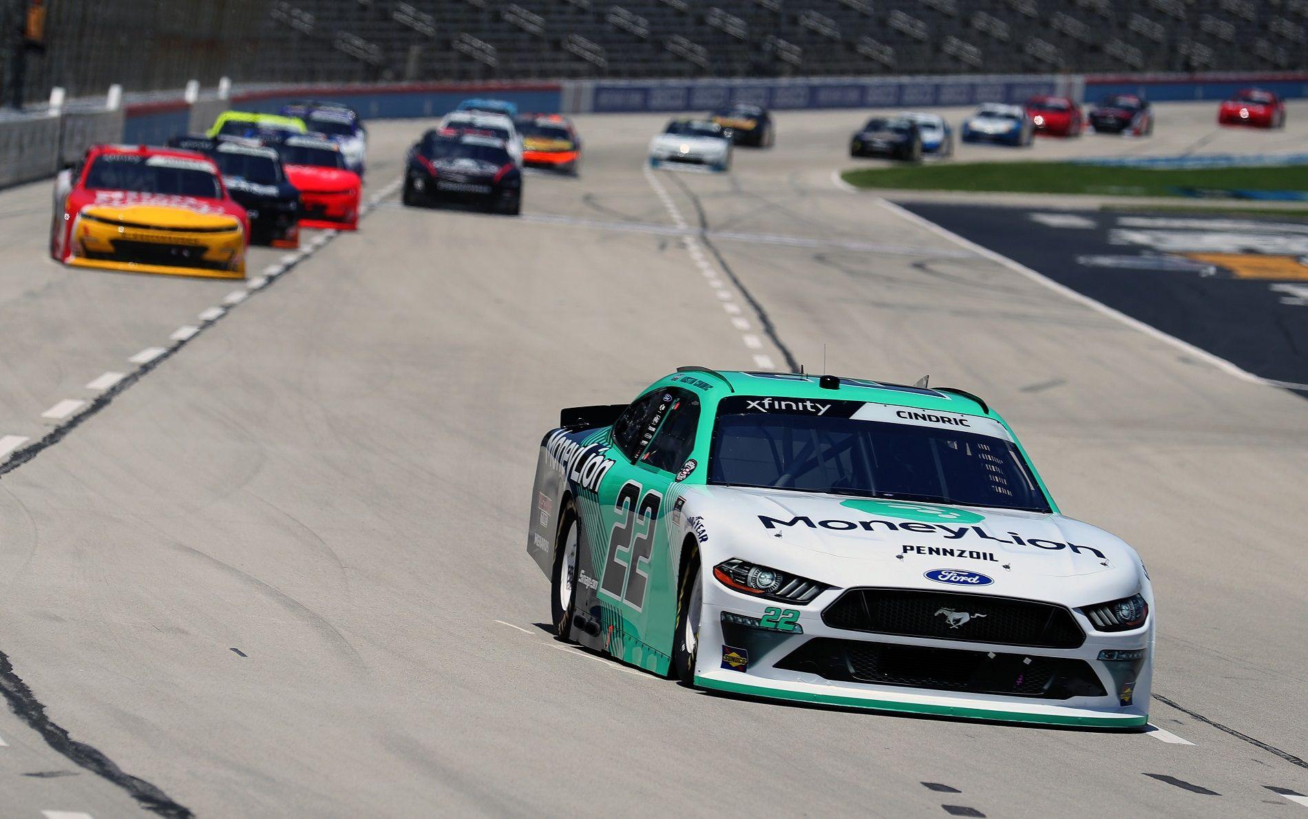 Остин Синдрик отрывается от преследователей в гонке второго дивизиона в Техасе