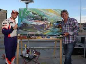 Дэнни Хэмлин с картиной своей победы в Финиксе