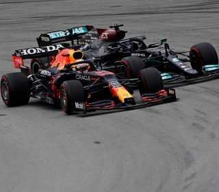 Борьба Верстаппена и Хэмилтона за лидерство в Гран-при Испании