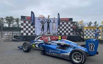 Подиум первой гонки ЮСФ2000 в Нью-Джерси