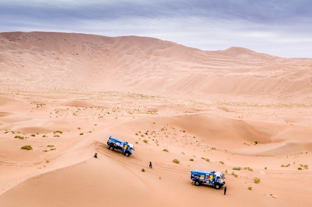 """""""Шёлковый путь"""". Первые большие дюны на маршруте и проблемы у лидеров гонки"""